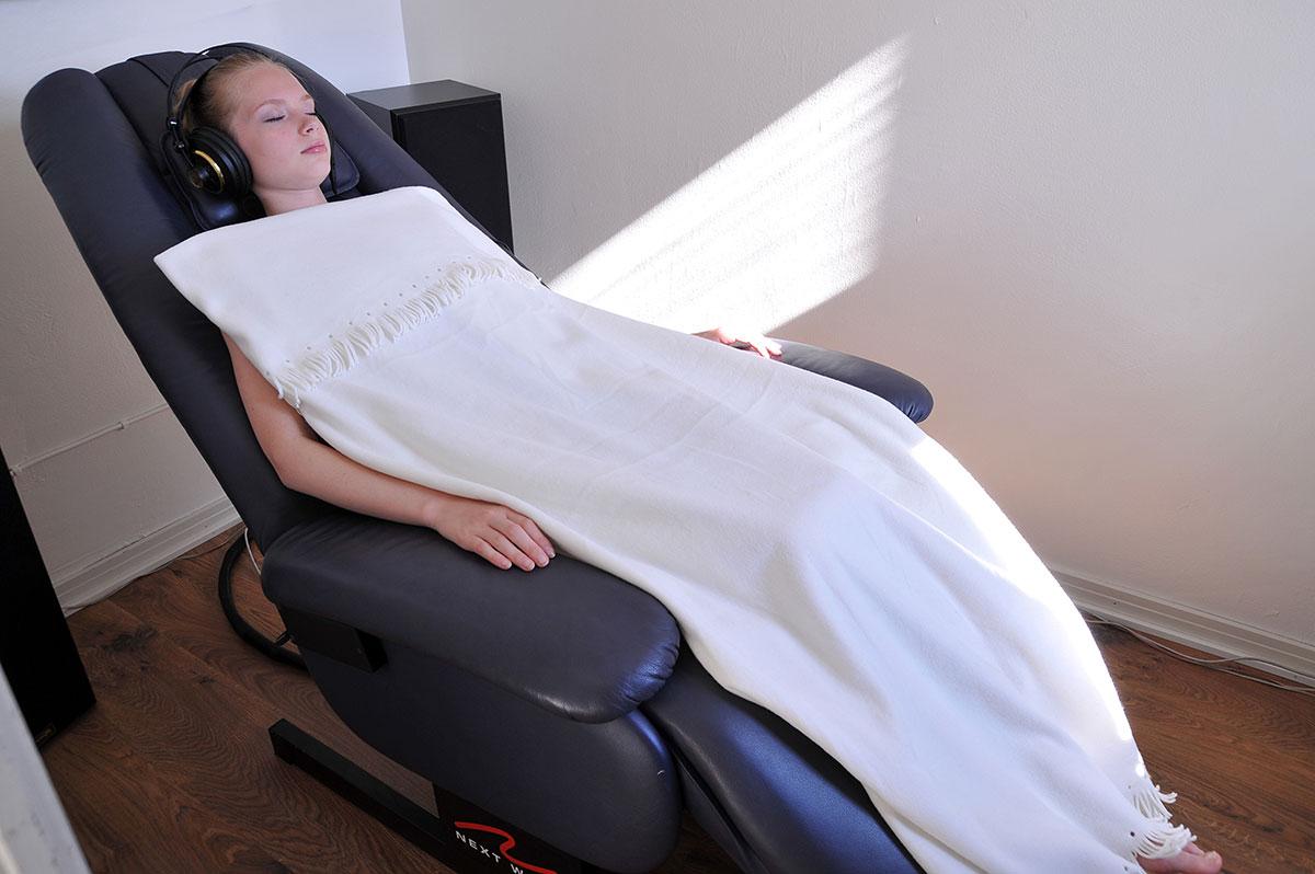 fysioakustinen tuoli hinta